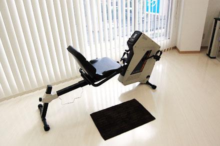 座位での下肢筋力トレーニング